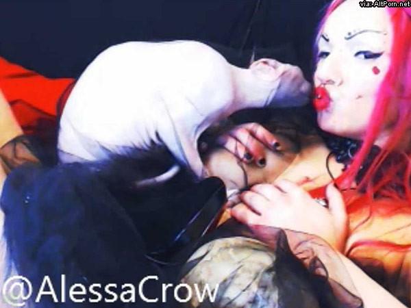Goth Girl Alessa Skull Cat Eyeliner