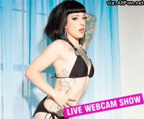 BurningAngel: Miss Genocide Pole Queen Webcam Show