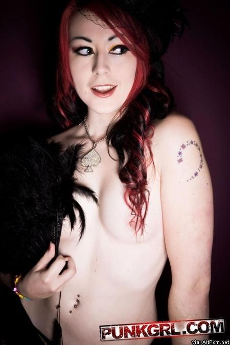 PunkGrl: Black Widow Miss Kitty