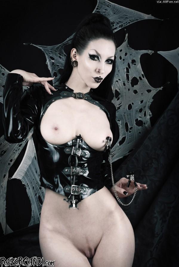 Gothic Beauty RazorCandi