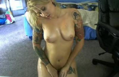 Hot Oiled Tattoo Babe AshaLo Looks Amazing