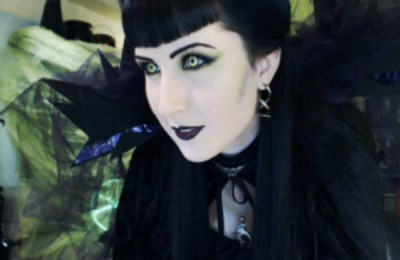 Gothic Witch Queen Vampette for Halloween