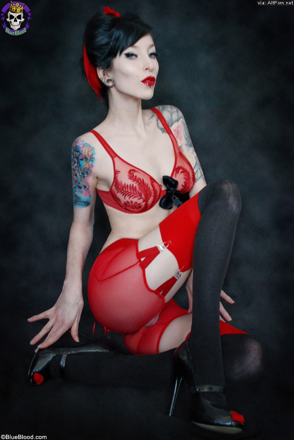 Gothicsluts Goth Babe Razor Candi In Hot Red Lingerie -2872
