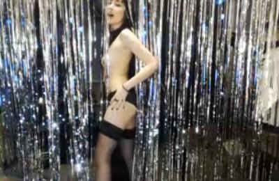 Tinsel Dancer Vampette
