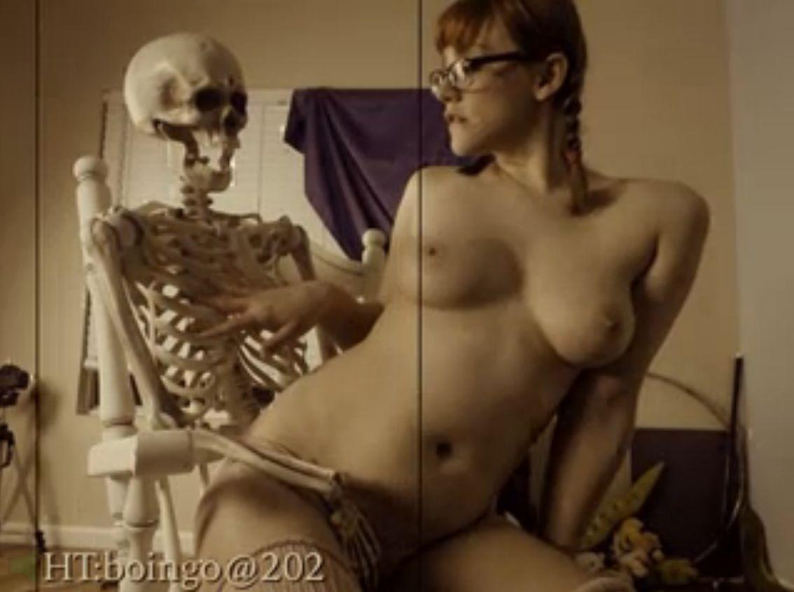 Porn Female Skeleton