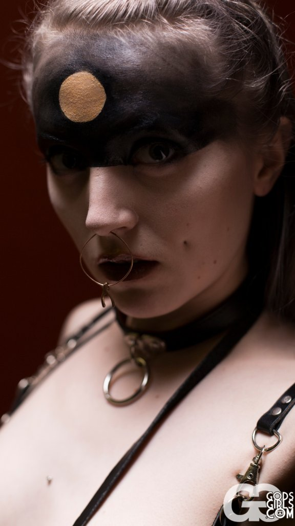 GodsGirls: Otherworldly Lovisa Will Make You See Double