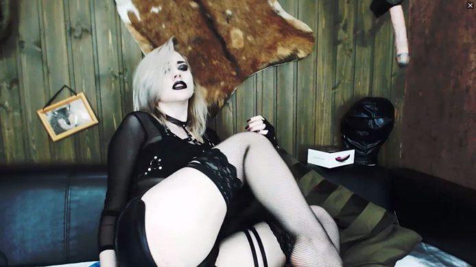 CharlotteLynn Cums From The Dark Side
