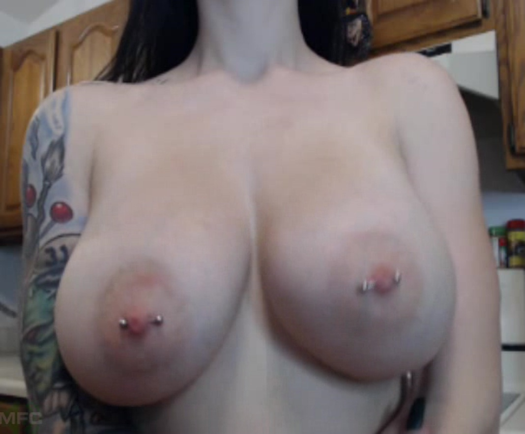 Divine Tits And Booty Extravaganza With Cubbixoxo ...
