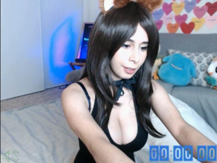 Senrii Is Awaiting Cummies