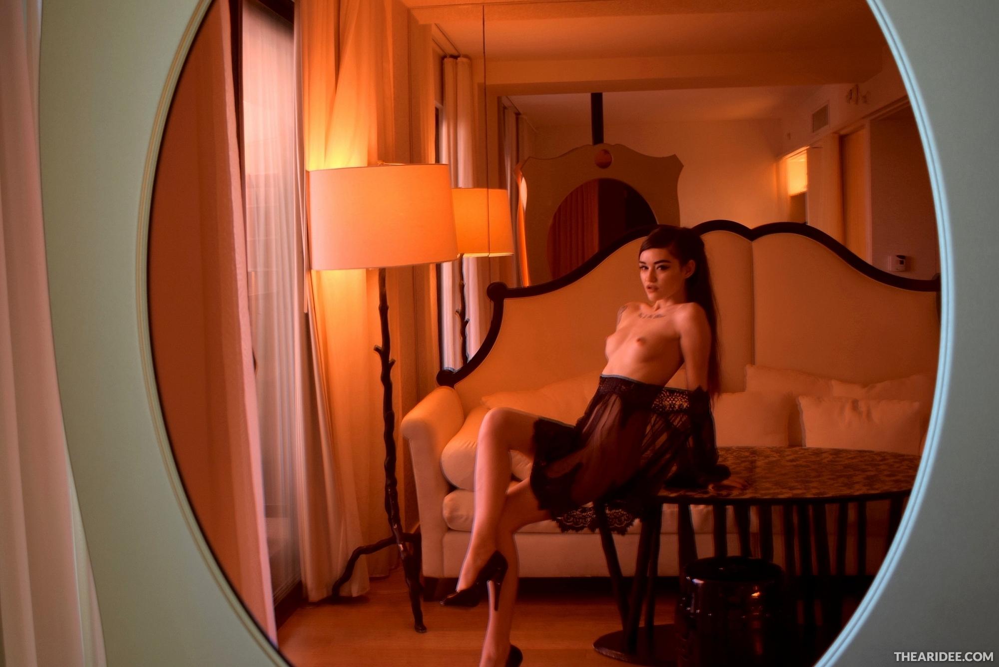 TheAriDee: Mirrored Sensual Trance