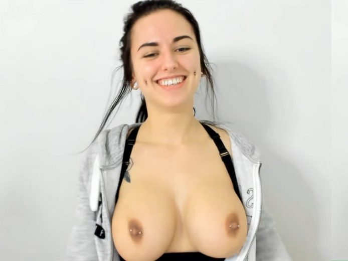 OctaviaMay : Hot Blowjobs, Big Boobs, And Exquisite Beauty
