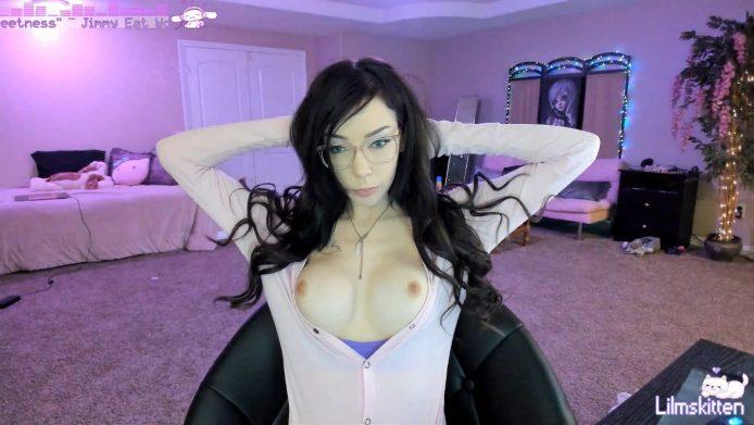 Lilmskitten Looks Cute While She Strips