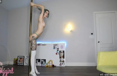 Babygirl Gives Us A Pole Dance