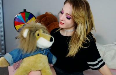 Lion Around With The Beautiful KristieBish