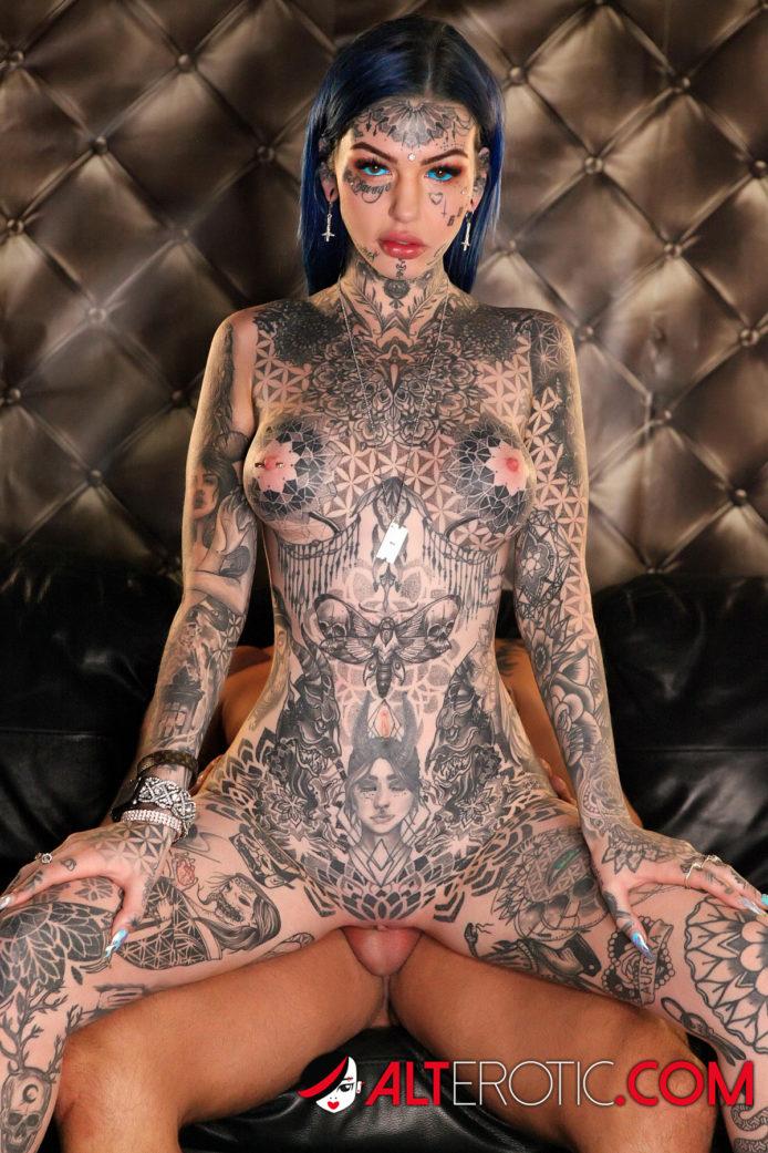 Amber Luke Nude