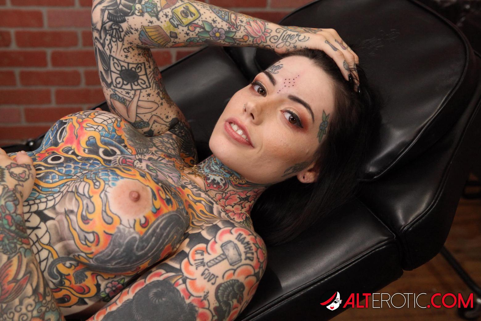 Nude tatoo Porn Babes