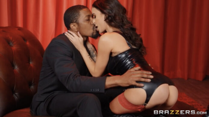 Brazzers: Red Light Romp With Gia Dimarco